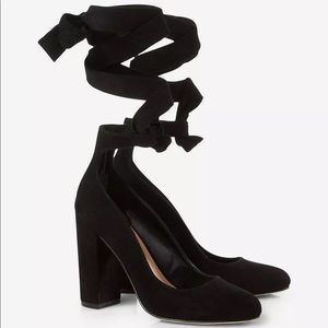 Express Shoes - Express Black Ankle Tie Thick Heeled Pump sz 7